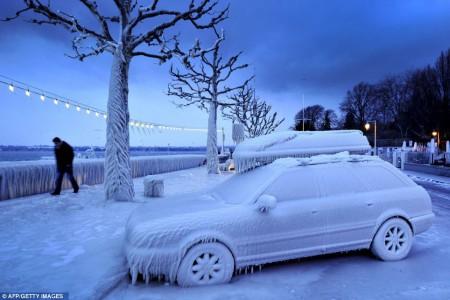 Au bord du lac de Genève en février