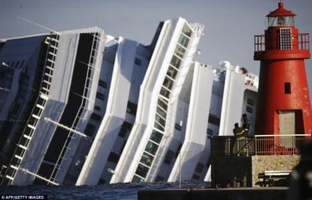 Le Costa Concordia en Janvier pendant son naufrage