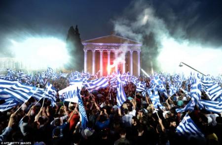 Un rassemblement pour la victoire de Antonis Samaras, n°1 du parti de la nouvelle démocratie de Grèce