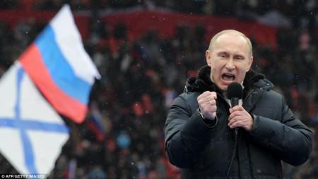 Vladimir Poutine pour un discours devant plus de 100000 spectateurs d'un match de foot
