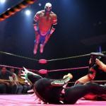 Wrestlers pendant un combat de catch à Los Angeles en mai dernier