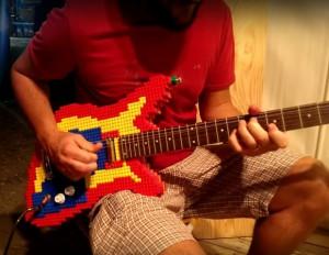 Guitare en LEGO