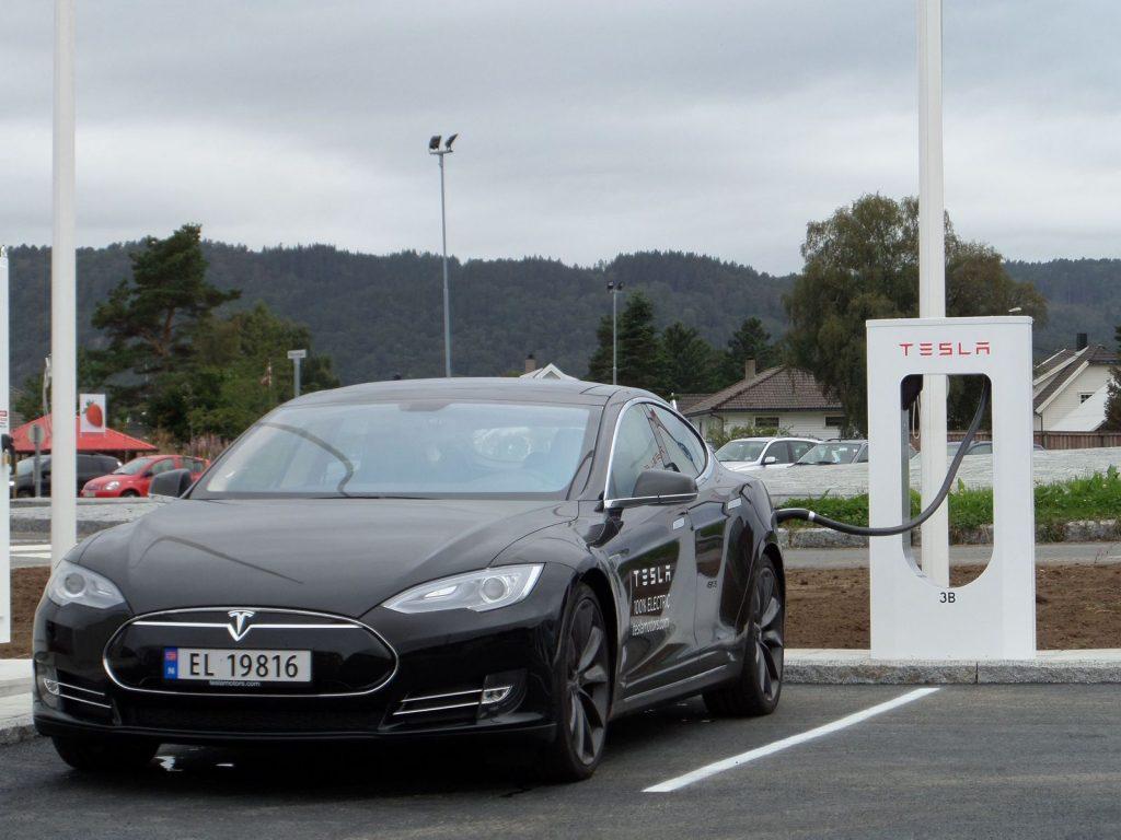 Tesla Model S - Supercharger