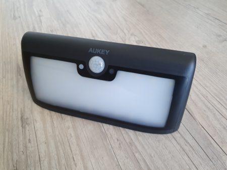 Lampe solaire Aukey LT-W6